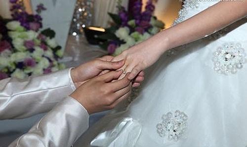 结婚钻戒怎么选购 哪个品牌比较好呢
