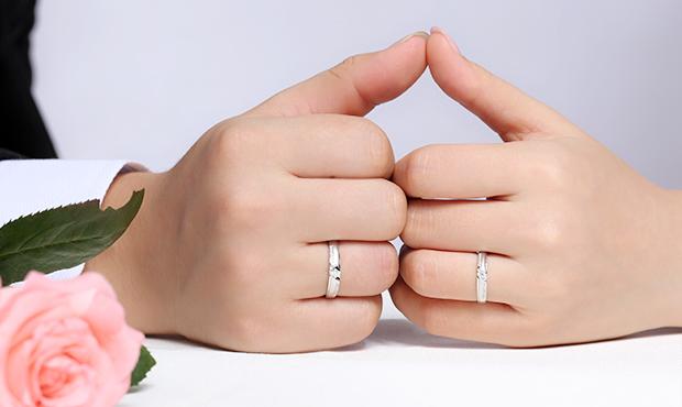 214情人节给前女友送生日礼物合适吗 挑选礼物应注意什么 如何送礼 第1张